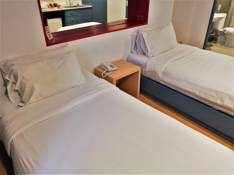 128バンコク(128 Bangkok)のベッド