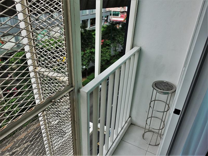 128バンコク(128 Bangkok)の喫煙スペース