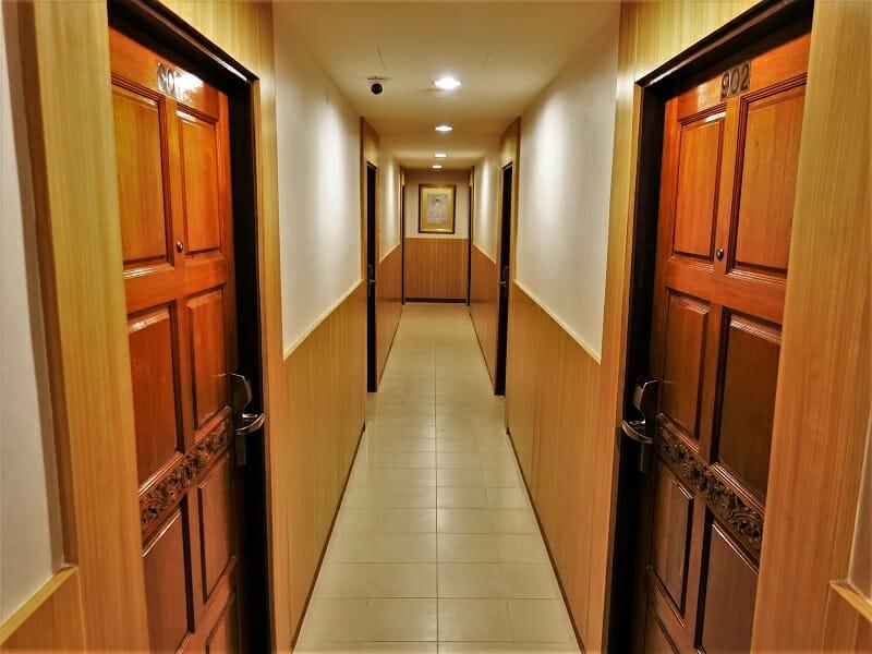 ダイナスティ・イン(Dynasty Inn)の廊下