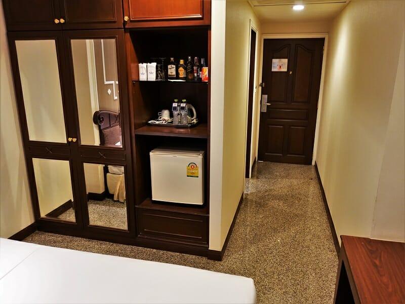 マジェスティックスイーツホテル(Majestic Suites Hotel)客室クローゼット