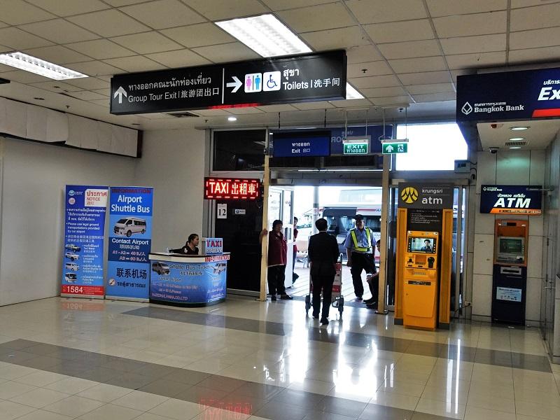 チェンマイ空港のExit9