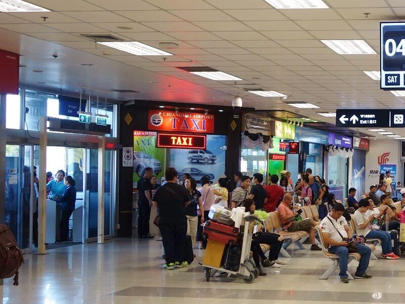 チェンマイ空港のタクシー予約ブース