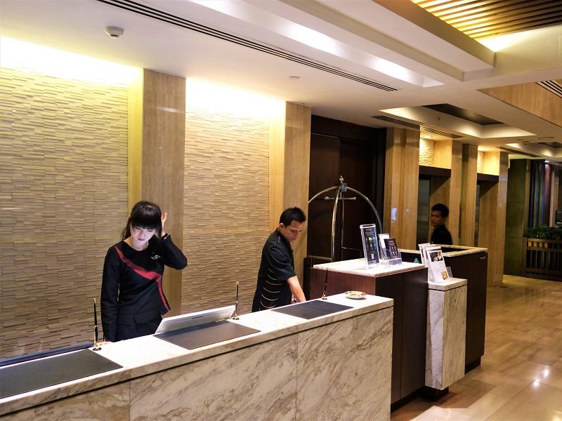 フラマエクスクルーシブ アソーク ホテル バンコク(FuramaXclusive Asoke Hotel Bangkok)受付