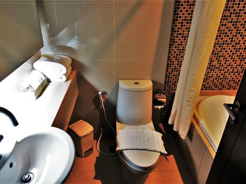 ダージェリン・ブティック(Darjelling Boutique)のトイレと洗面所