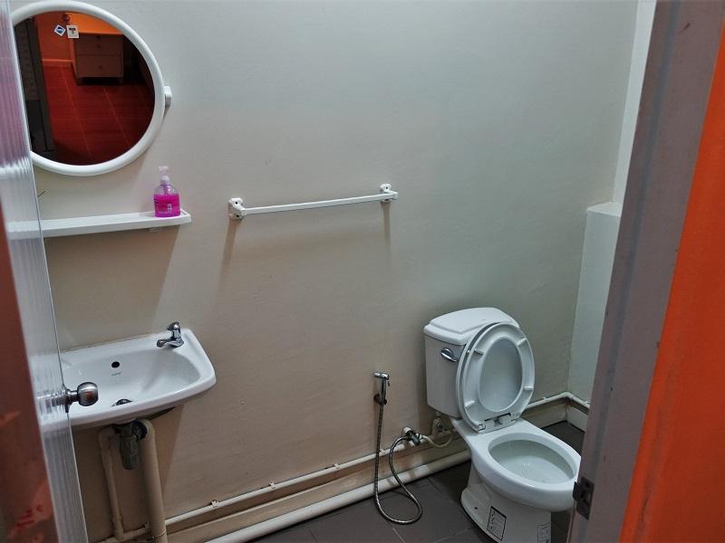 アッド ホーム ホステル(Add Home Hostel)洗面所、シャワールーム
