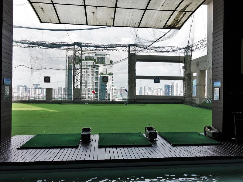 バイヨークスカイ ホテル(Baiyoke Sky Hotel)ゴルフレンジ