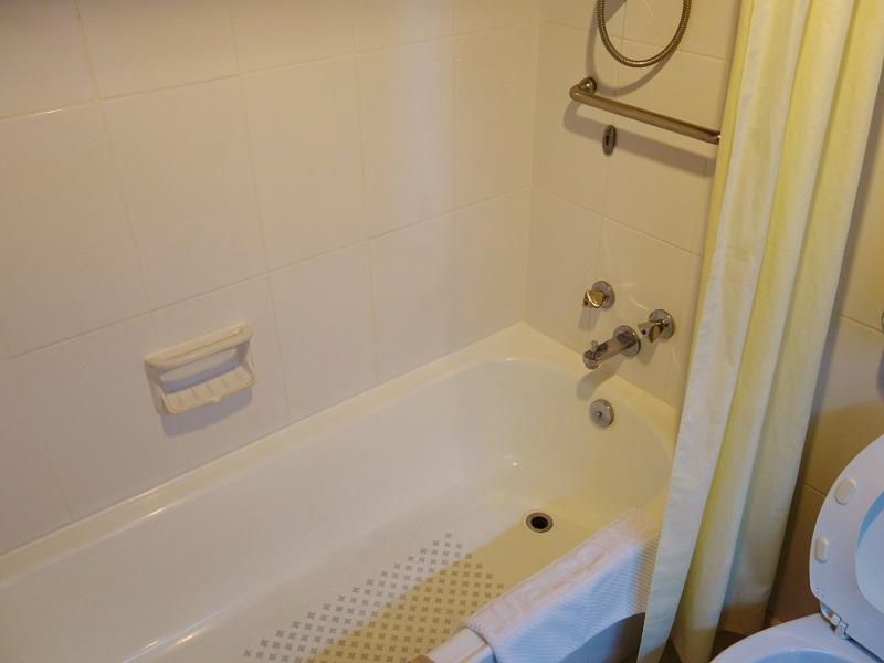 チェンマイ プラザ ホテル(Chiang Mai Plaza Hotel)バスルーム