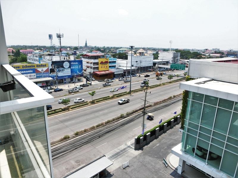クラシックカメオ ホテル & サービスド アパートメンツ アユタヤ(Classic Kameo Hotel & Serviced Apartments, Ayutthaya)から見たロジャナ通り