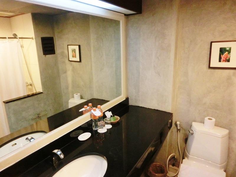 グランドホテル パタヤ(Grand Hotel Pattaya)洗面所