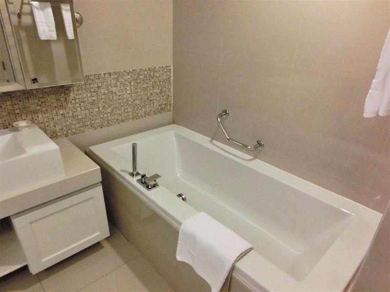 グランド センター ポイント ホテル ターミナル21(Grande Centre Point Hotel Terminal 21)バスルーム