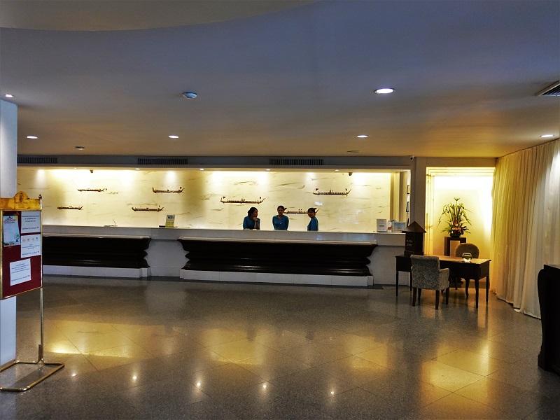 クルンシリ リバー ホテル(Krungsri River Hotel)受付