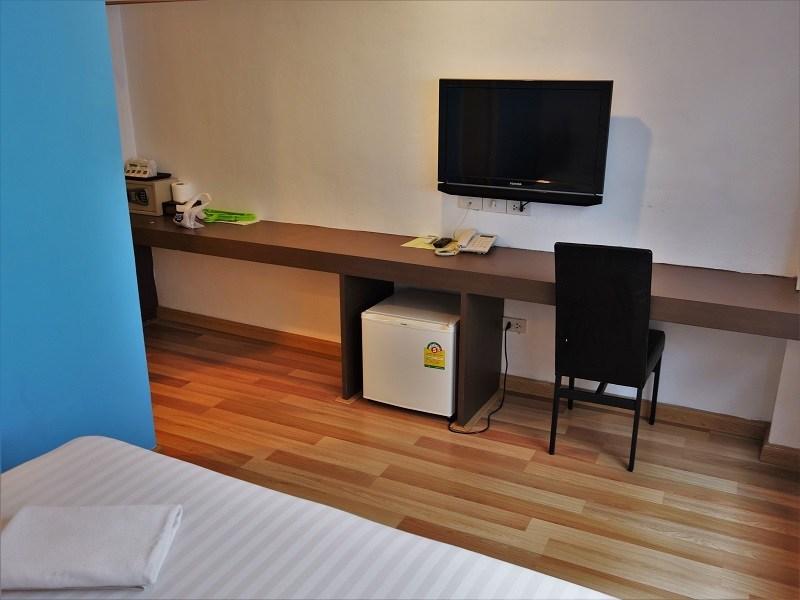 ナントラ シーロム ホテル(Nantra Silom Hotel)デスク