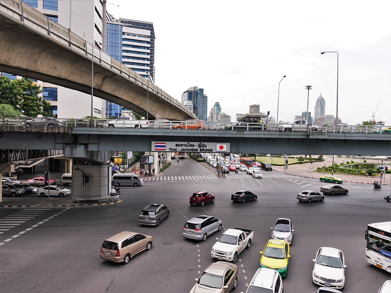 サラディーン交差点にかかる日タイ友好の橋