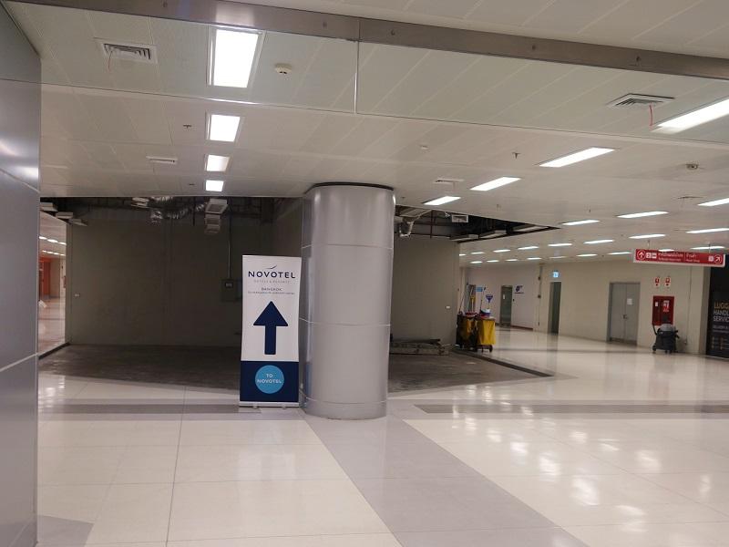スワンナプーム国際空港・ノボテル スワンナブーム エアポート(boxtel @ suvarnabhumi airport)看板
