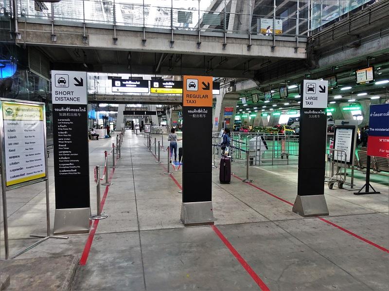 スワンナプーム国際空港のタクシー乗り場