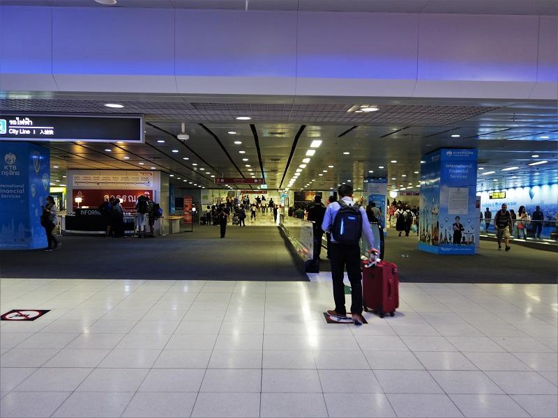 エアポートレールリンク「スワンナプーム国際空港駅」の入口