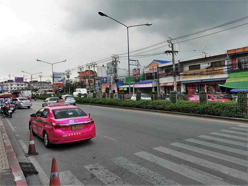 ソン パラファ通り(Thanon Song Prapha)