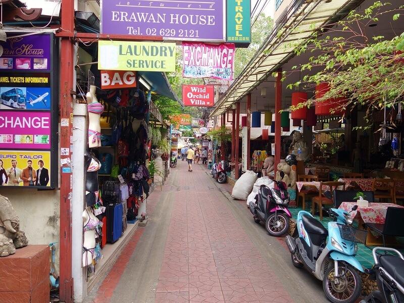 カオサンのチャナソンクラーム通り(Chanasongkram Alley)