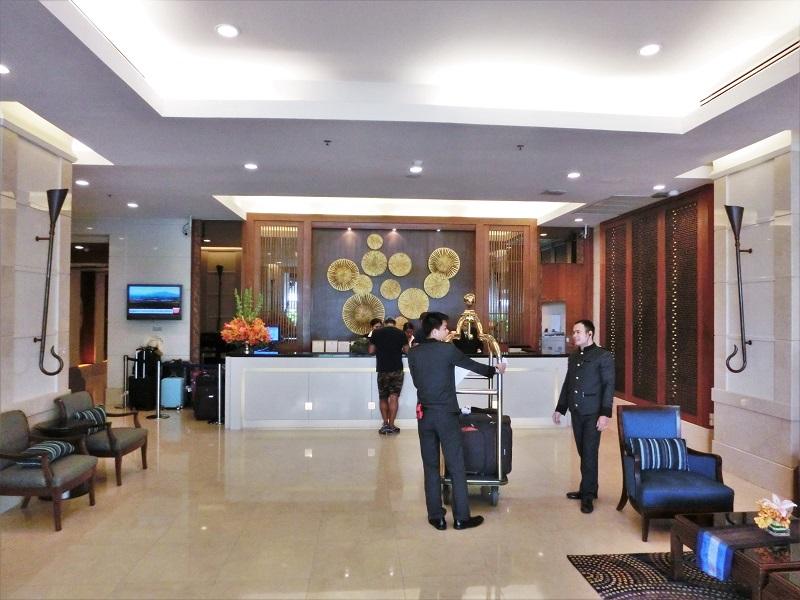 センターポイント シーロム ホテル(Centre Point Silom Hotel)受付