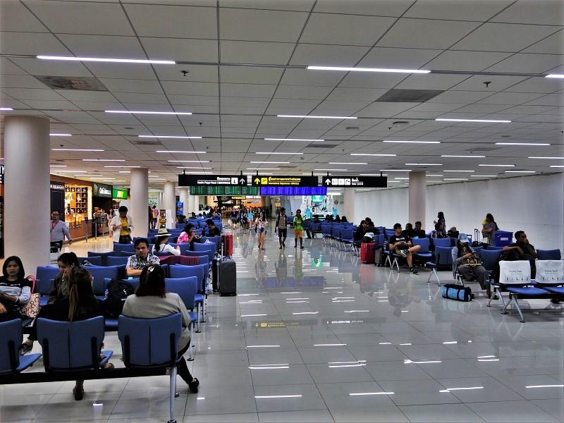 ドンムアン空港・国内線ターミナルから国際線ターミナルへの連絡通路