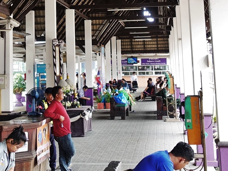 ドンムアン空港鉄道駅のチケット販売所