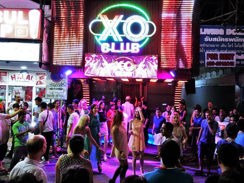ウォーキングストリートのXOクラブ