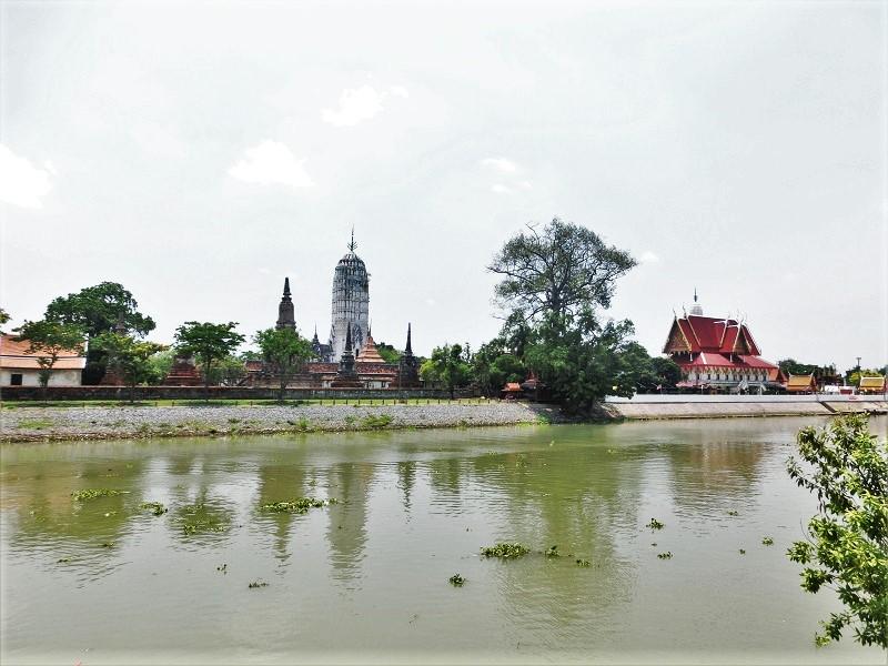 ワット プッタイ サワン(Wat Phutthai Sawan)