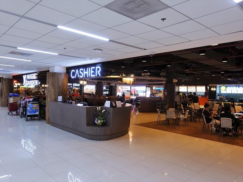 ドンムアン空港国内線ターミナル4階のフードコートのCASHIER(レジ)