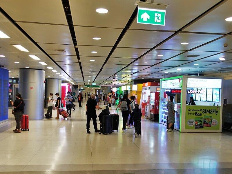 スワンナプーム国際空港地下1階エアポートレイルリンク駅横のエリア