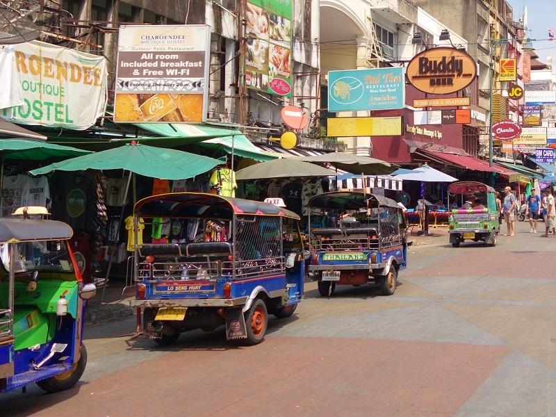 カオサン通りのトゥクトゥク