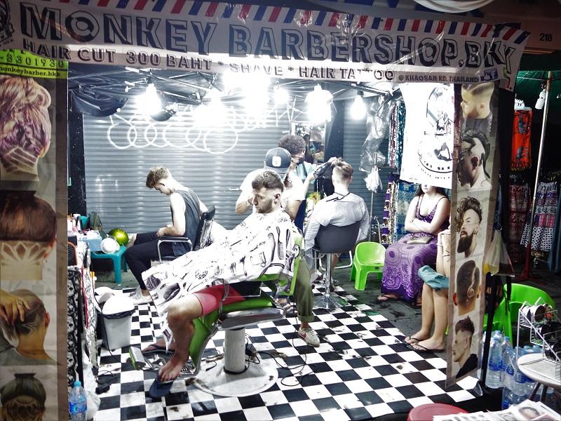 カオサンで営業しているヘアアレンジのお店