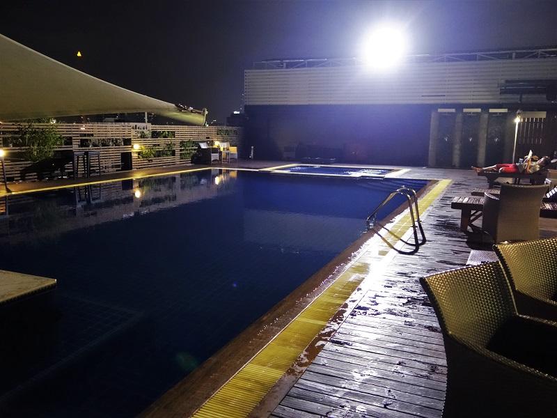 ダン ダゥーム ホテル(Dang Derm Hotel)のプール