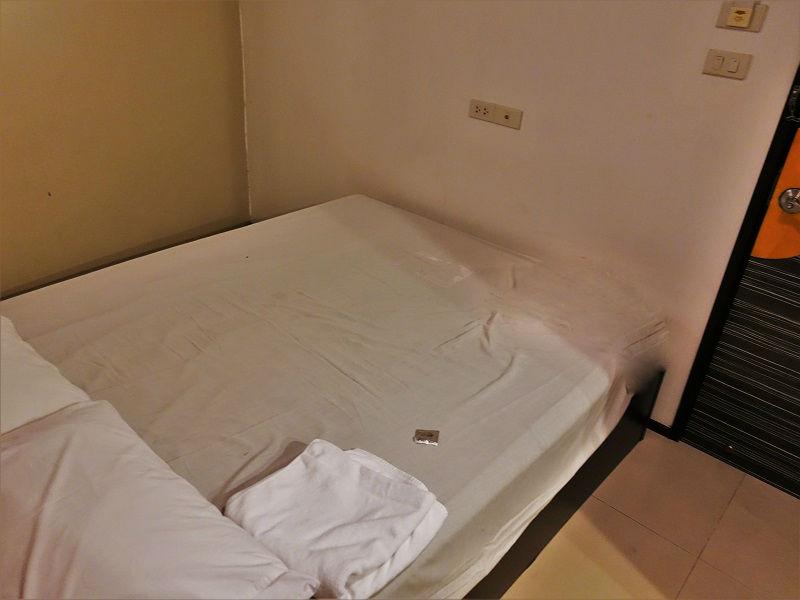 ナナプラザ内ホテルの部屋