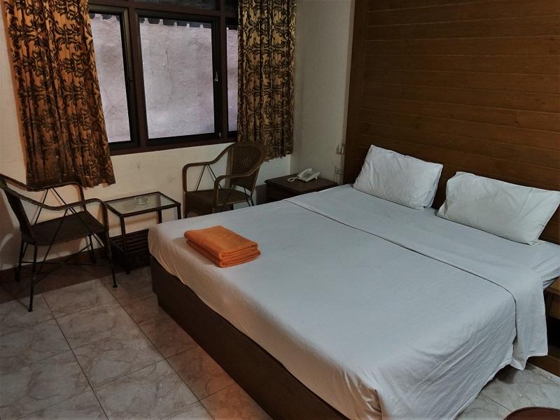 P.72 ホテル(P.72 Hotel)ベッド