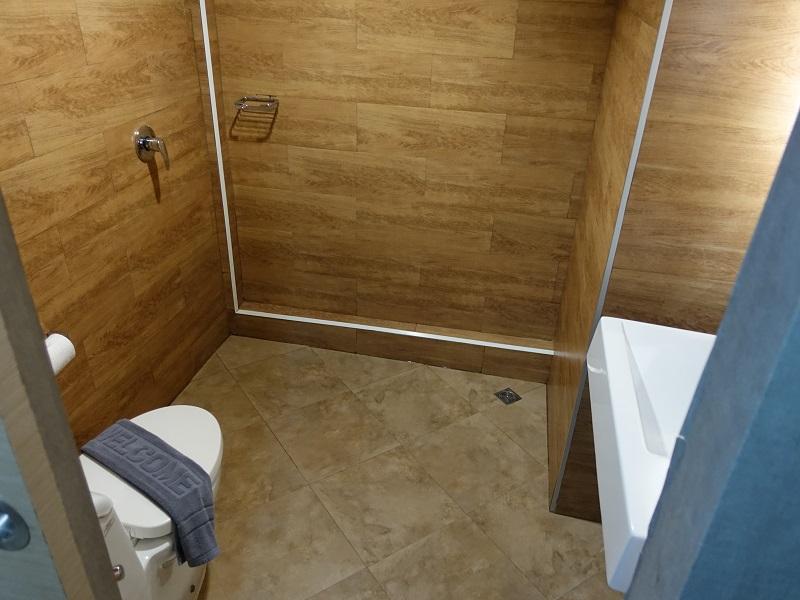 ザ グリーン ビュー(The Green View)トイレ、洗面所、シャワールーム