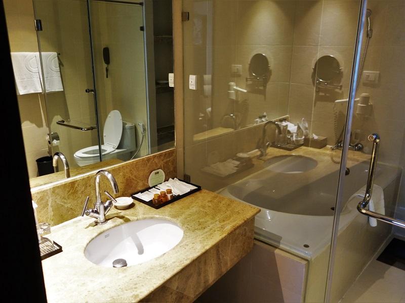 S15スクンビット・ホテル(S15 Sukhumvit Hotel)洗面所